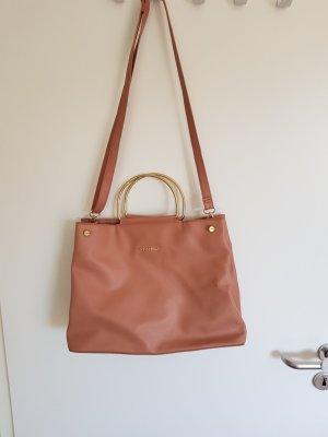 nudefarbene Handtasche goldene Metallhenkel Amisu