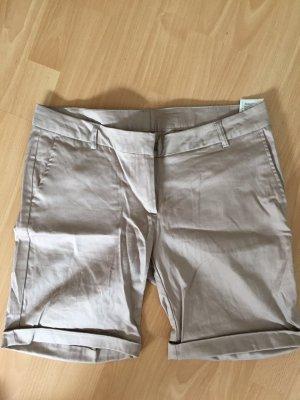 Nudefarbene kurze Hose von Takko in Größe 40