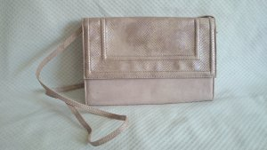 Nudefarbene Wildlederclutch von H&M Collection
