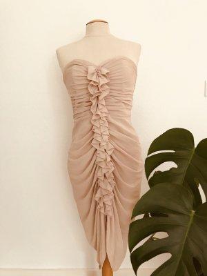 Nudefarbenes Kleid