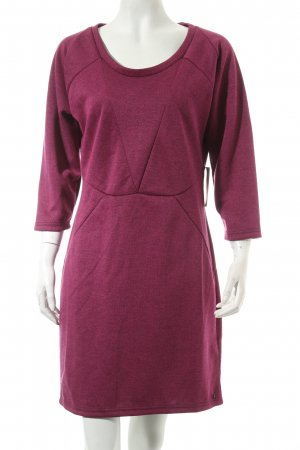 Nümph Bleistiftkleid magenta Street-Fashion-Look