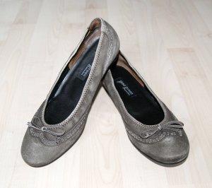 NUR NOCH 5 TAGE!! Neuwertige Leder-Ballerinas im Vintage-Design nur 27,00€!