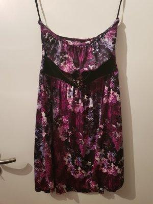 NUR noch BIS 20.03.19! Blumiges Kleid in lila