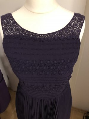 Oasis Vestido a media pierna lila-violeta oscuro