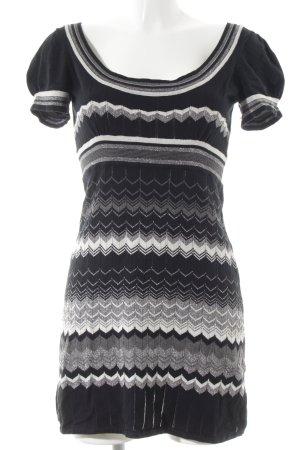 Oasis Strickkleid schwarz-weiß abstraktes Muster Casual-Look