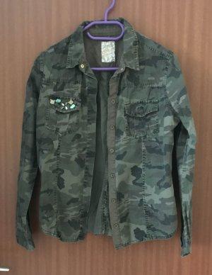 Oberteil Hemd Bluse Grün Olive Khaki 38 36 S Primark Muster Camouflage Militär