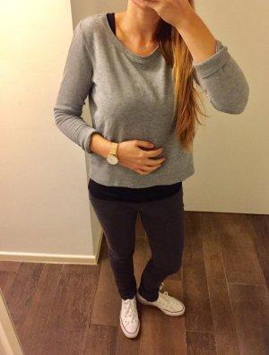 Oberteil Pullover langärmlig Sweatshirt locker grau schlicht