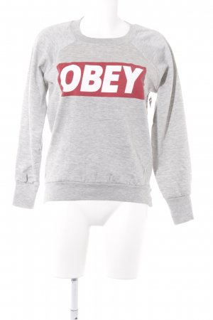 obey Suéter gris claro look casual