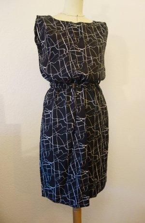 Object - Lässiges schwarz/weiß gemustertes Hemdkleid mit Gürtel