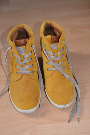 Ockerfarbene Schuhe von Paul Green