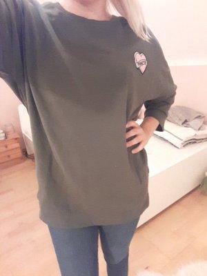 ölivgrüner Pullover