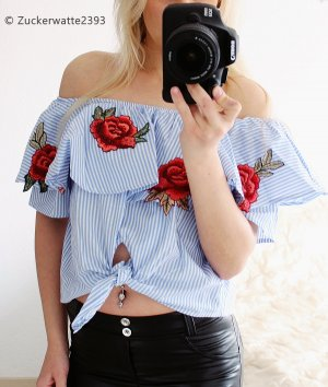 Off Shoulder Oberteil mit Rosenverzierung XS Blogger Musthave Instafashion