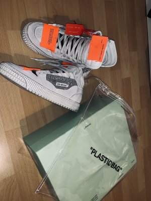 Off White Sneaker Off Court