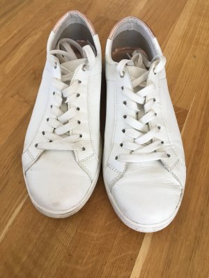 Tamaris Lace-Up Sneaker white