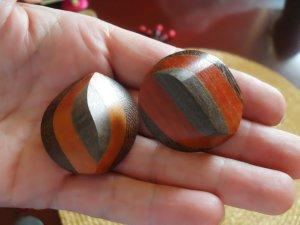 Earclip multicolored wood