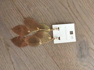 Pendientes de clip marrón arena