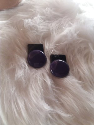 Earclip black-dark violet