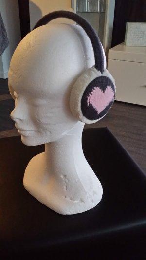 Ohrenschützer aus Kunstfell und Strick