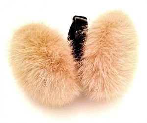 Earmuff black-cream pelt