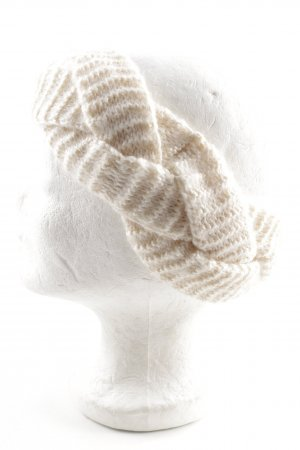 Earmuff cream cable stitch athletic style