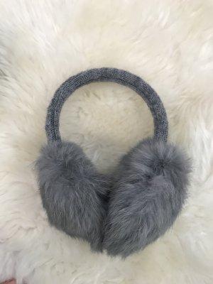 Ohrenwärmer in Grau