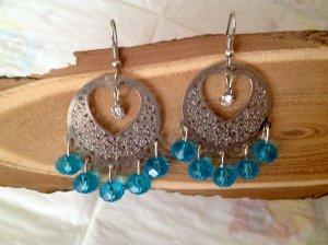 Ohrhänger mit blauen Glasperlen Modeschmuck