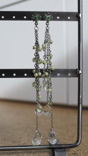Ohrhänger mit hellgrünen Perlen