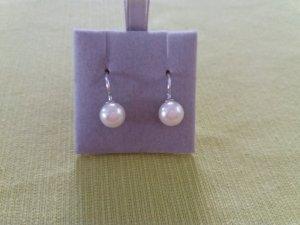 Ohrhänger mit weißer Perle