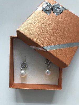 Orecchino a pendente bianco-argento