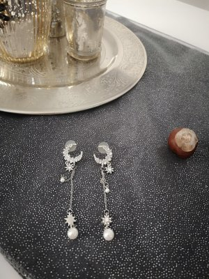 Earring silver-colored