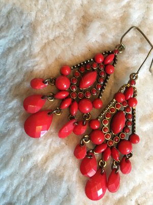 Dangle dark red-gold-colored