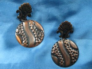 Ohrringe, creolenartig, mit Musterung