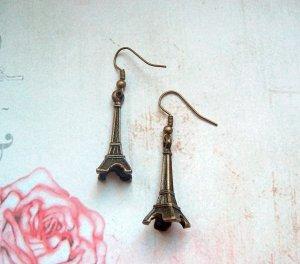 Ohrringe Eiffelturm Bronzefarben