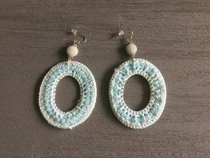 Ohrringe hellblau, Perlen und Stoff geflochten, neu