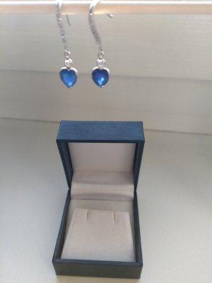 Ohrringe herzförmig mit Saphir und Diamanten