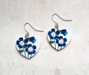 Ohrringe Holzknopf Herz blaue Blüten