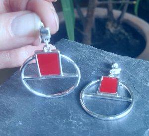 Ohrringe in geometrischem Design