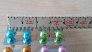 Ohrringe in verschiedenen Farben