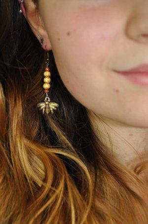 Ohrringe mit Biene / Hummel und Holzperlen