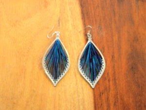 Ohrringe mit blau/türkisfarbenem Stoff