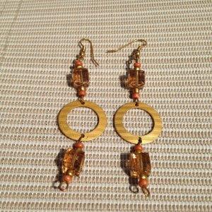 Ohrringe mit #Karneol #Edelsteine & #Swarovski Crystal Cubes matt vergoldet