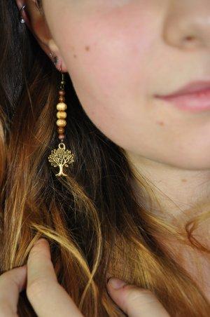 Ohrringe mit Lebensbaum und Holzperlen