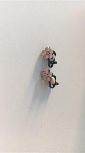 Ohrringe mit rosa Blumen