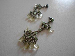 Dangle silver-colored-grass green