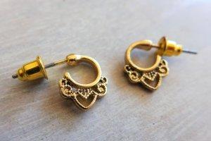 Six Ear stud gold-colored