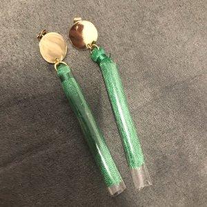 H&M Pendant d'oreille vert-doré