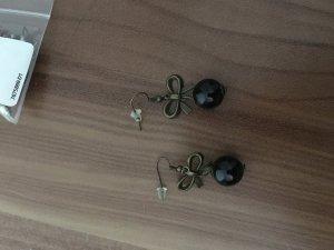 Ohrringe schwarz hängend
