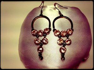 Ohrringe sehr schönes Design in Swarovskistil