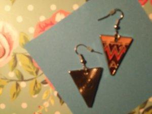 Ohrringe trendiges Zickzack-Motiv auf Dreiecken in Nude/Rosa