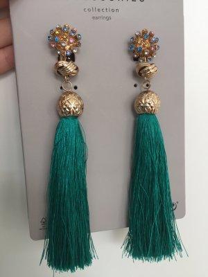 Ohrringe von Zara. Modeschmuck mit Schmucksteinen und Fransen